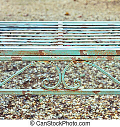 Garden bench - Close up of a vintage garden bench with rust
