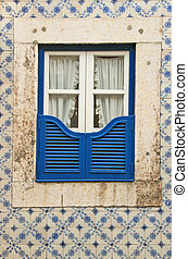 window - The window of the old building in Lissabon (the...
