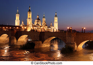 View of the basilica of the Virgen del Pilar and Ebro river,...