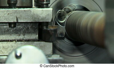 Cutting metal - Turn bench cutting metal