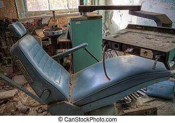 Dentist chair - Urbex - Broken dentist chair in an abandoned...