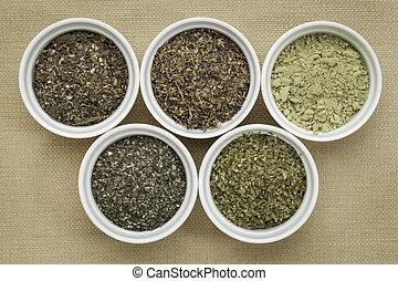 seaweeds - diet supplements - bowls of seaweed diet...