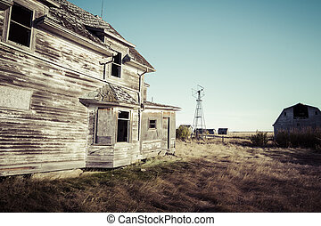 Old Farm House - An abandoned old rustic farm house