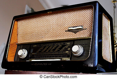 Antique Radio 3 - An old 1950's era Emud tube radio.