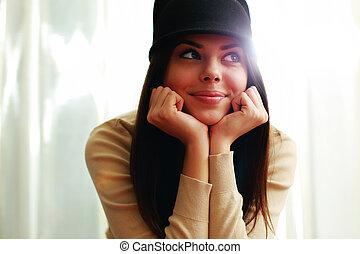 bonito, mulher, afastado, jovem, olhar, chapéu, Feliz