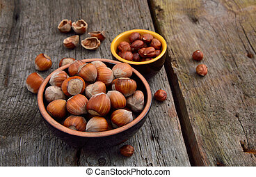 Kernels of hazelnuts and in a shell