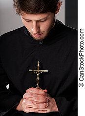 monje, crucifijo