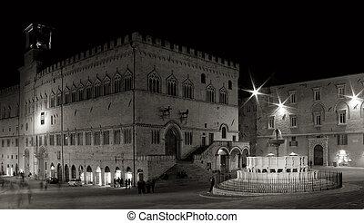 fontana maggiore perugia 2 - night shot of fontana maggiore...