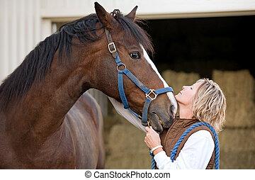 mujer, caballo, caras, juntos