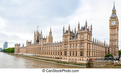 Houses of Parliament in London, England - Houses Houses of...