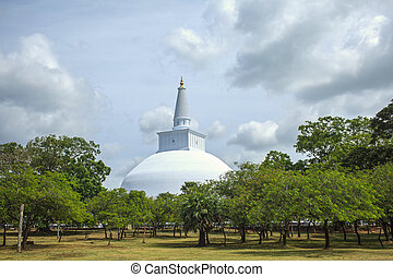 Temple Anuradhapura - Ruwanwelisaya Chedi in the sacred city...