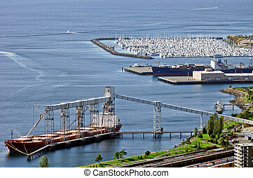 Seattle harbour view - A vew of Seattle harbor with a huge...