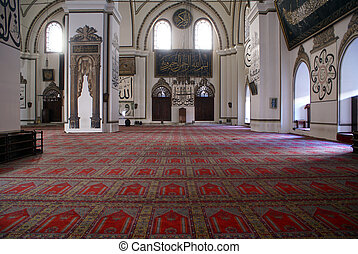 Columns in mosque - Columns inside mosque Eski Jami in...