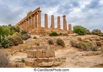Juno Temple in Agrigento - Juno Temple Ruins in Agrigento