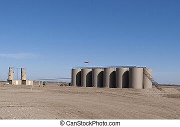 Oil Tanks - Crude Oil Tanks in North Dakota