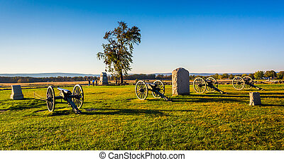 Cannons and monuments in Gettysburg, Pennsylvania. - Cannons...