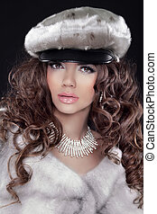 Beauty Glamour Fashion Model Girl Portrait in Mink Fur Coat. Beautiful Luxury Winter Woman