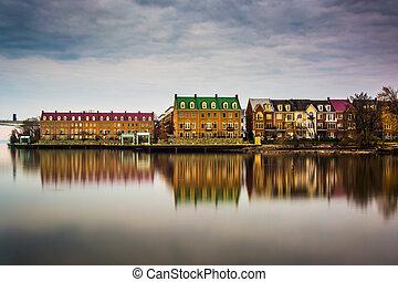 reflexões, waterfront, edifícios, ao longo,...