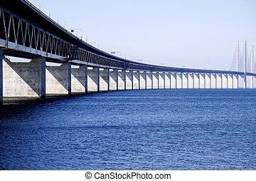 Bridge to Sweden - The long and beautiful bridge between...