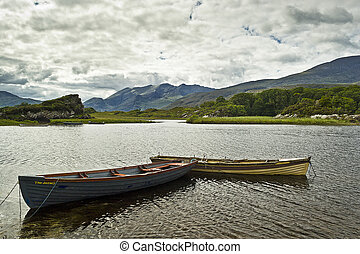 Boats on Upper Lake Killarney, Co. Kerry Ireland - Boote auf...