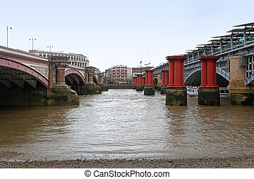 Blackfriars Bridge - Remain columns from old Blackfriars...
