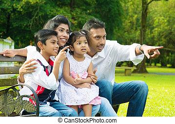 feliz, indio, familia, exterior