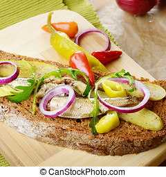 Sprat sandwich with pickled vegetables - Sprat sandwich with...