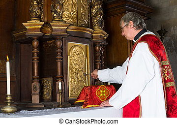Baroque tabernacle - Baroque antique tabernacle with priest...