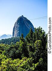 Brazil, Rio de Janeiro, Sugar Loaf Mountain - Pao de Acucar...