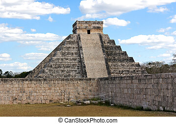 Kukulkan Pyramid at Chichen Itza - Pyramid to serpent god...