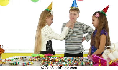 kids during birthday party,counting out game
