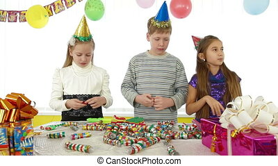 kids during birthday party, counting out game
