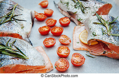 Fresh salmon with cherry tomato - Fresh salmon with...