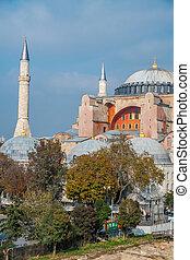 Hagia Sophia, Istanbul - The famous Hagia Sophia museum ex...
