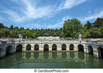Nimes, park - Nimes (Gard, Languedoc-Roussillon, France),...