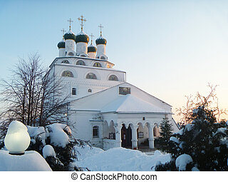 REVERENTLY-Bogoyavlenskiy male priory in Mstere at winter...