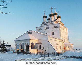 REVERENTLY-Bogoyavlenskiy male priory in Mstere at winter...