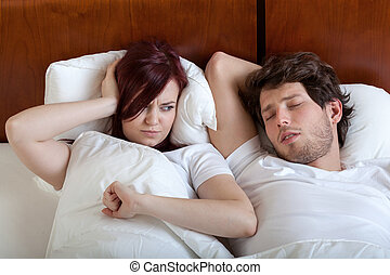 Snoring boyfriend - Woman cant sleep because of her...