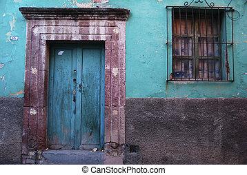 Rustic colorful door in the town of San Miguel de Allende, Mexico. Guanajuato.