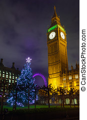 Big Ben on a Christmas Night - Christmas Tree and Big Ben in...