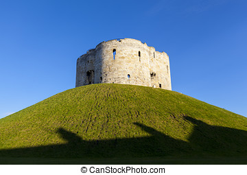 Clifford's Tower in York, England, UK - Clifford's Tower in...