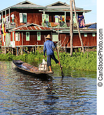 Leg Rowing Inle Lake Myanmar - the traditional leg rowing or...