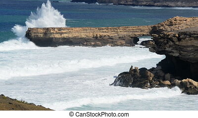 extreme big waves crushing - 11154 Big waves crushing on a...