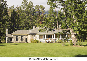 Manor house in Fintry Park - The manor house in the Fintry...