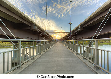 Walkway between Bridges