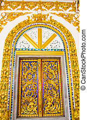 close up Thai carved doors