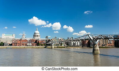 St Pauls Cathedral Time Lapse - Time lapse sequence of...