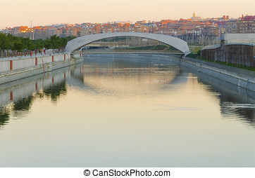 bridge in the morning - Modern bridge over rio manzanares in...