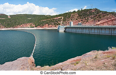 Flaming Gorge Dam - The Flaming Gorge Dam on the Green River...