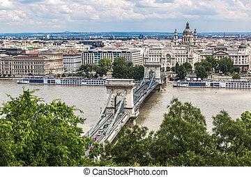 Chain Bridge and Hungarian Parliament, Budapest, Hungary -...